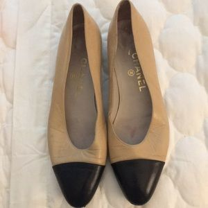 Vintage Chanel two tone flats